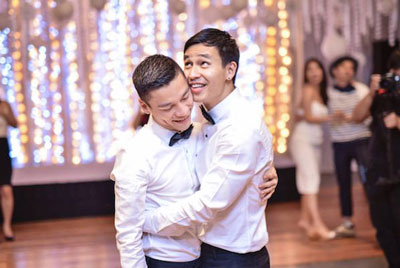 Gay-Vietnam-Wedding--Adrian-Anh-Tuan-&-Son-Doan