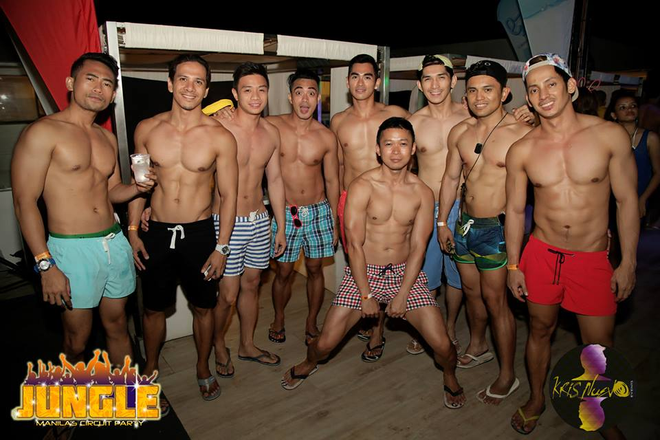 Gay Boracay - Have you ever seen so many six packs