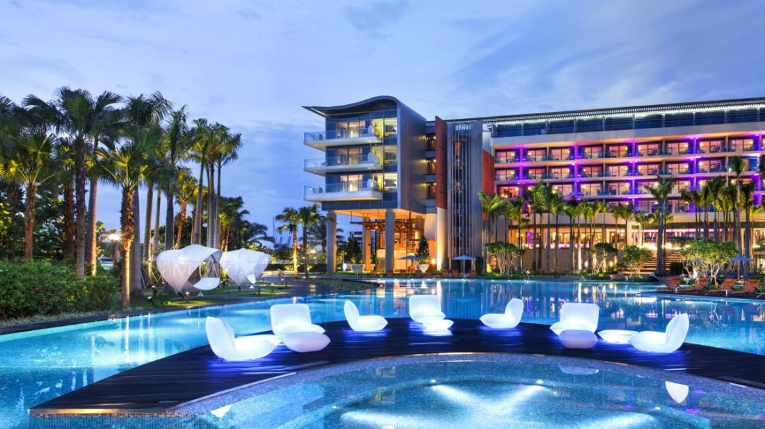 6 Reasons To Get Excited For W Singapore 39 S Pink Pool Party