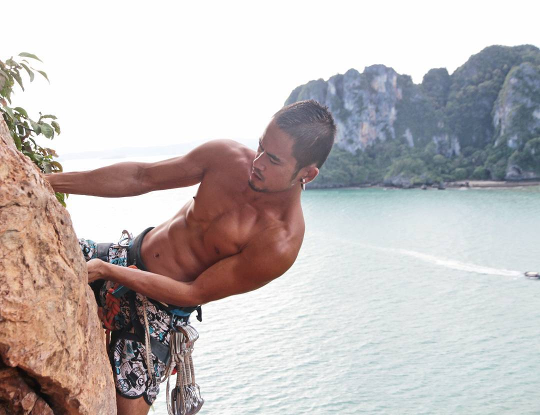 Bachelor of the Week from Phuket, Thailand - Online Gay Travel Guide for Gay Hotels, Gay Bars & Saunas (7)