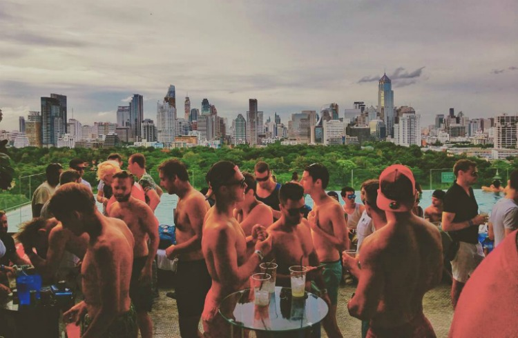 So sofitel bangkok bkk 39 s trendiest rooftop pool party review 2016 for Gay in singapore swimming pools