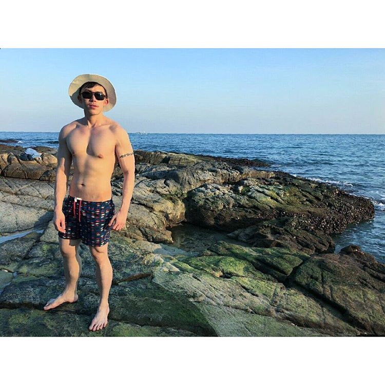 Chris Gay Singapore and his Holiday Advice for All Gay Men