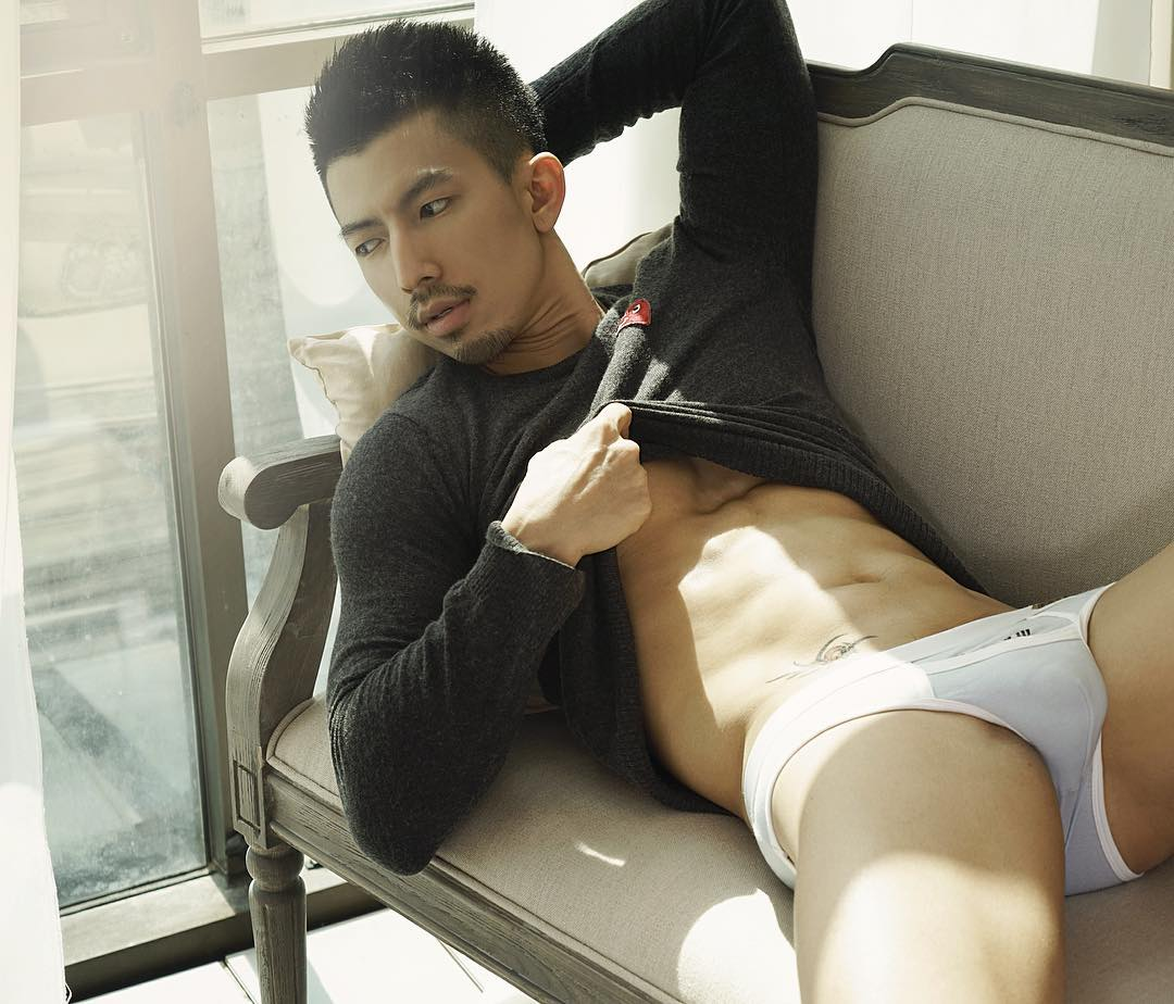 hot-asian-man-and-their-travel-story