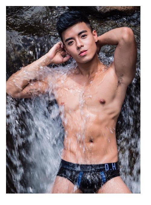 Gay hk so Love Actually