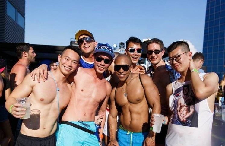 SO Sofitel Hot Rooftop pool party