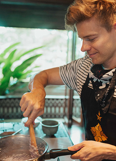 Dhara-Dhevi-Luxury-Cooking-School