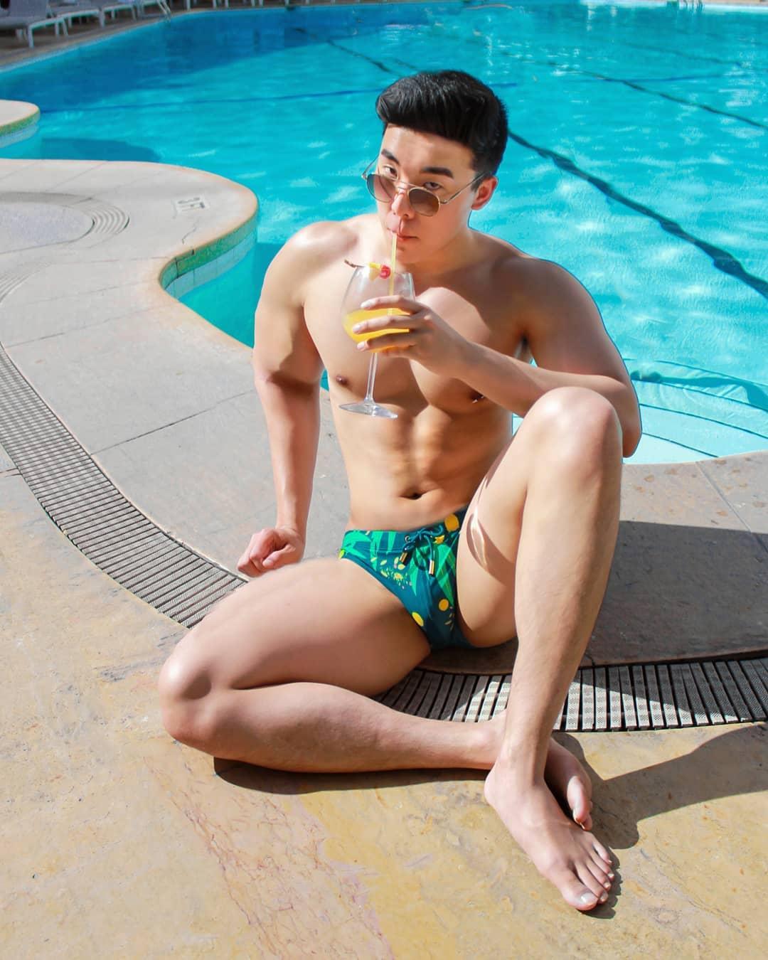 jonokwan hot australian man gay travel