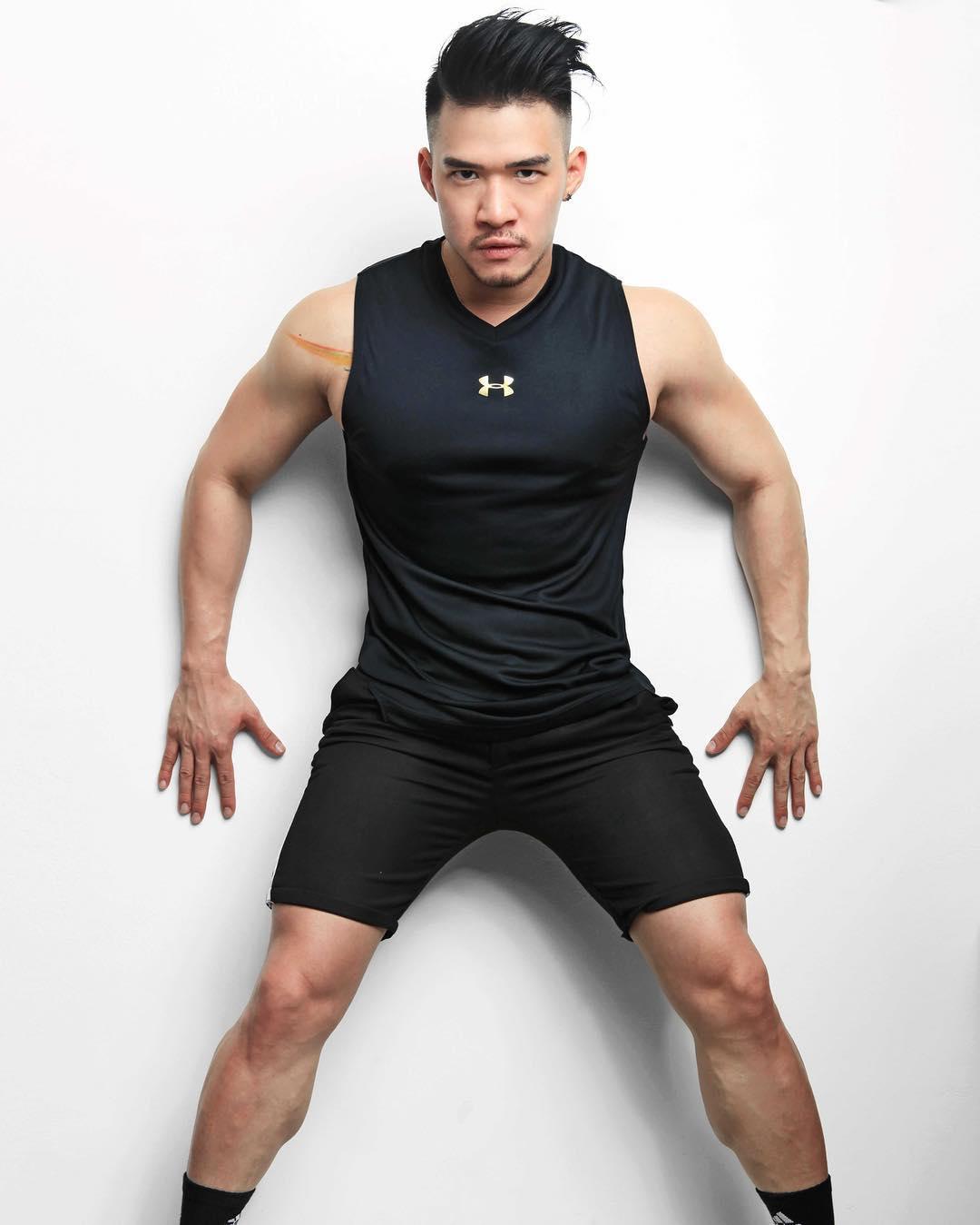 superhenhen hot gay man