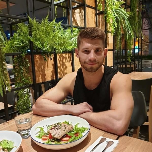 gay-sathorn-bangkok-holiday-inn