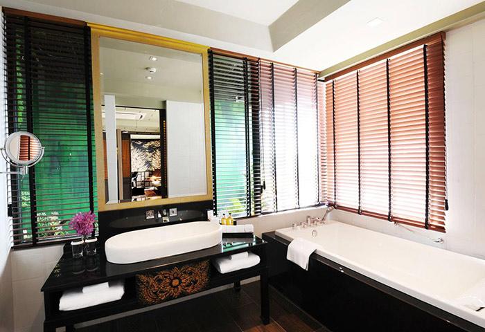 Bangkok-Centre-Gay-Bangkok-Hotel-Siam-at-Siam