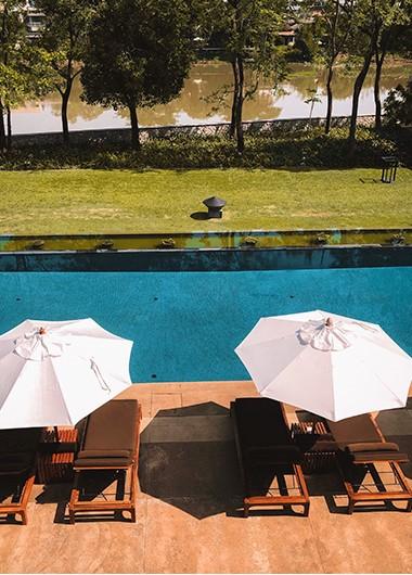 Most-Luxury-Gay-Hotel-riverside-Anantara-Chiang-Mai-Resort