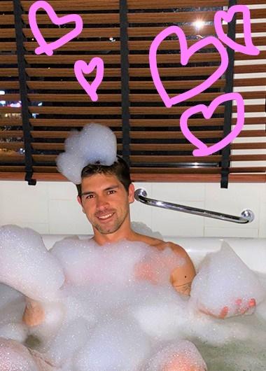 Cute-Instagram-Bathtub-Goals-Gay-Hotel-Bangkok-Siam@Siam-Design