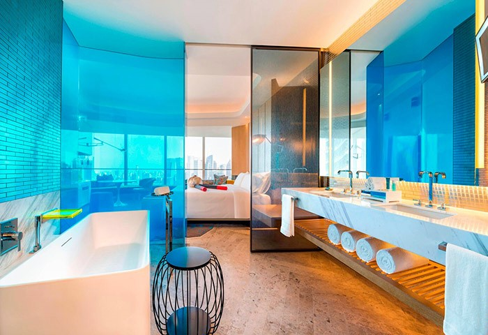 Instagram-Perfect-Gay-Luxury-Hotel-W-Shanghai-The-Bund
