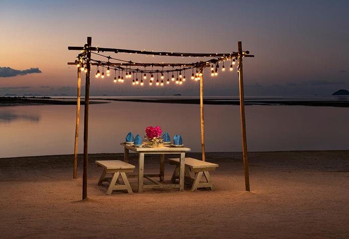 Romantic-Beachfrom-Gay-Hotel-Avani+-Samui-Resort