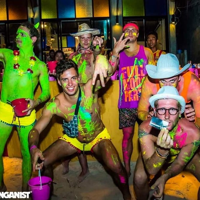 Things-gay-travelers-should-know-about-full-moon-party-kohphangan-2