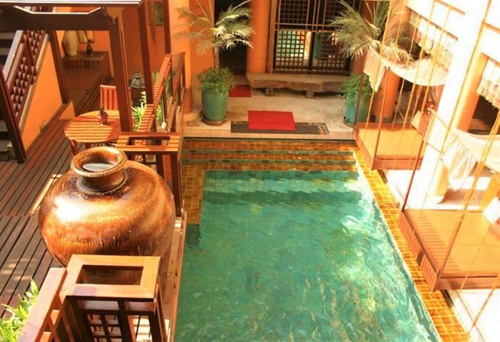 Chakran-Sauna-Bangkok-Cheap-Gay-Sauna-with-Swimming-Pool