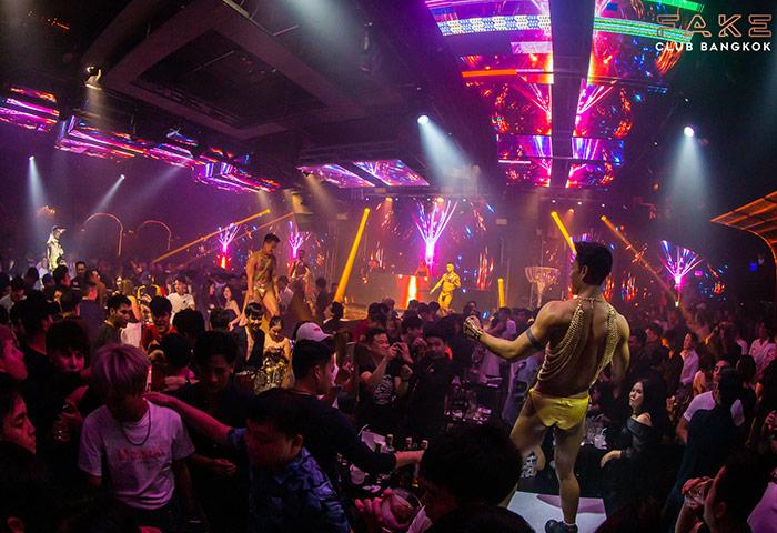 Fake-Club-Bangkok-Best-Young-Gay-Man-Dance-Club