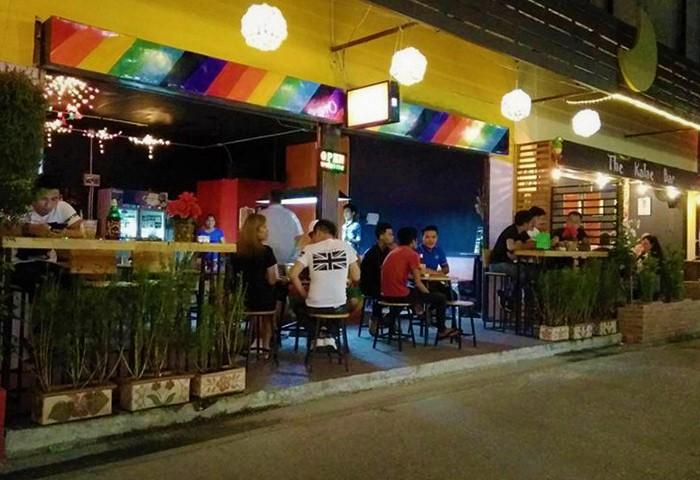 Gay-Bars-Street-Chiang-Mai-Soi-Chareonprathet-6