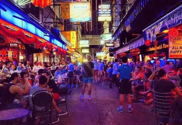 Silom-Soi-4-Bangkok-Best-Gay-Street-Bars
