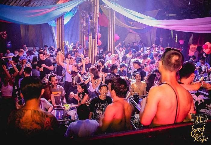 Sweet-Soul-Cafe-Gay-Dance-Soi-Green-Mango-Chaweng-Beach-Samui