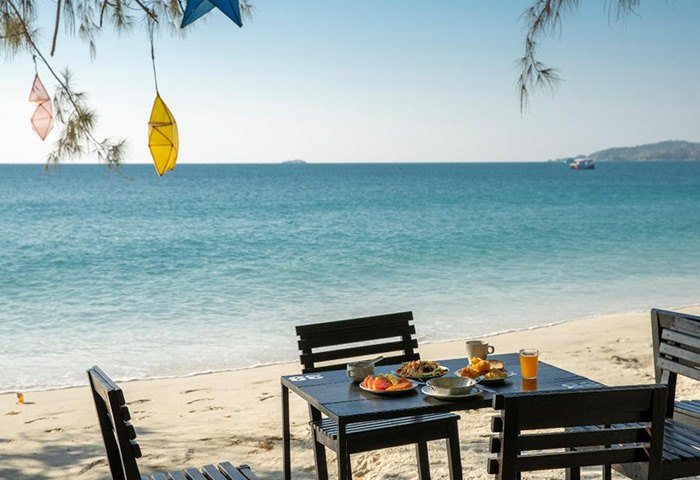 Avatara-Resort-Most-Gay-Popular-Beachfront-Hotel-Koh-Samet