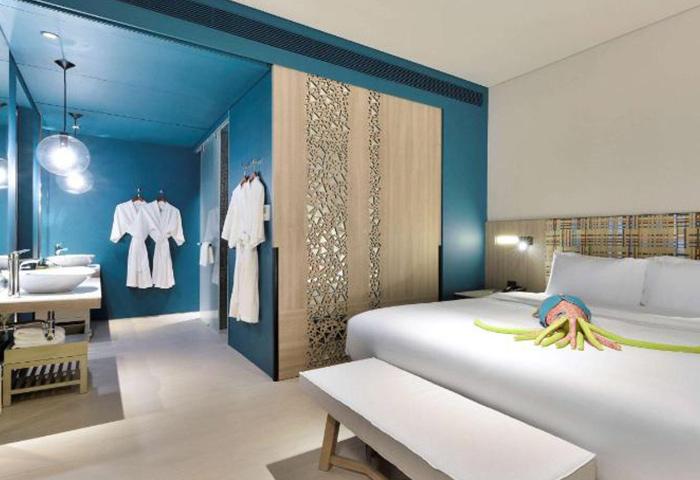 Best-Private-Beach-Gay-Honeymoon-Hotel-Pattaya-Veranda-Resort-Pattaya-MGallery