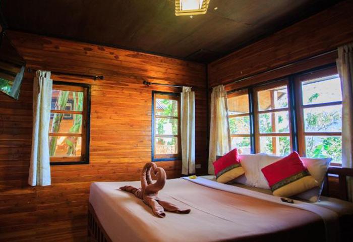 Best-and-Cheap-Gay-Honeymoon-Beachfront-Hotel-Ton-Sai-Phi-Phi-The-Cobble-Beach-Hotel