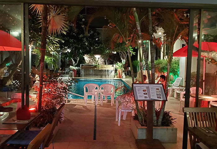 Cheap-Gay-Adults-Only-Hotel-Pattaya-Near-Gay-Bars-Sansuk-Sauna-&-Guesthouse