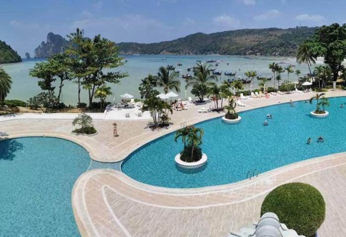 Cheap-Gay-Hotel-in-Ton-Sai-Phi-Phi-Island-Cabana-Hotel