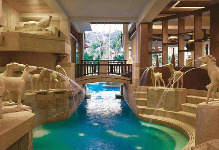 Cheap-Luxury-Beachfront-Gay-Hotel-Phuket-Marriott-Resort-Merlin-Beach