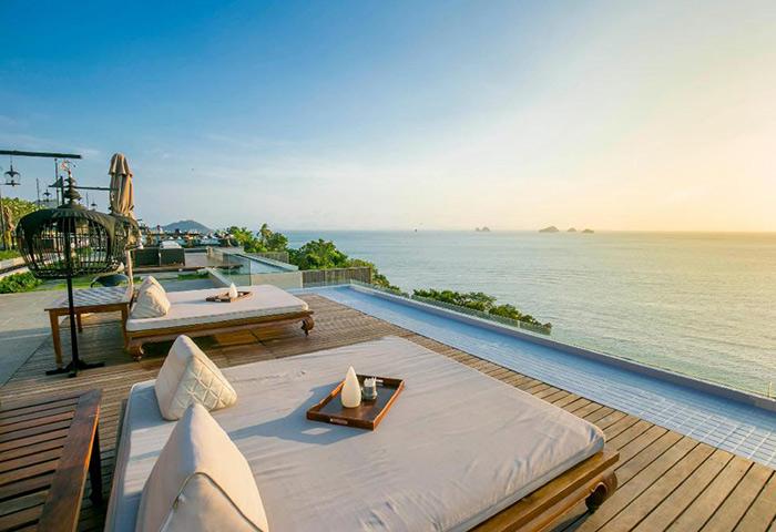 Cheap-Luxury-Gay-Hotel-Koh-Samui-with-Infinity-Pool-Villas
