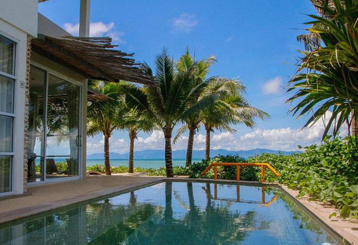 Cheap-Luxury-Gay-Hotel-with-Beachfront-Pool-Summer-Luxury-Beach-Resort
