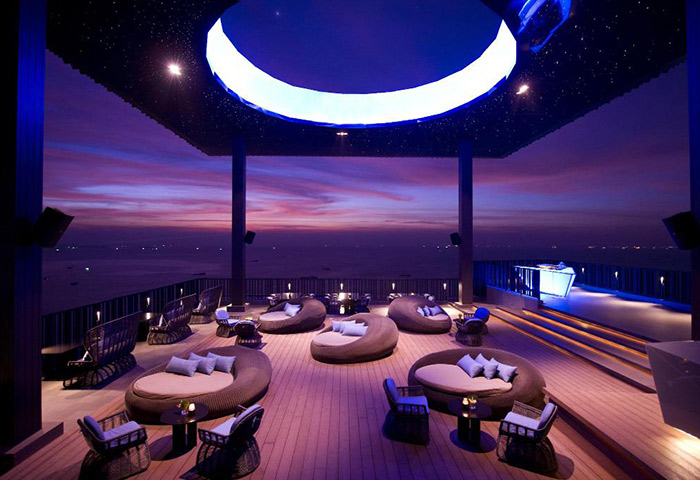 Cheap-Luxury-Gay-Hotels-Pattaya-City-Center-Hilton-Pattaya