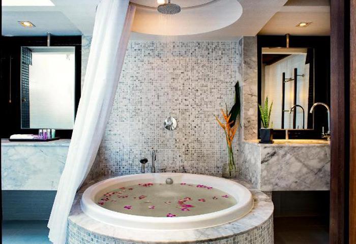Cheap-Luxury-Private-Pool-Villas-Gay-Hotel-Phuket-List-Update