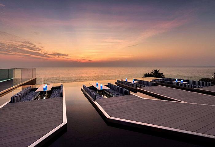 Cheap-Luxury-Rooftop-Pool-Gay-Hotel-Pattaya-Veranda-Resort-Pattaya-MGallery