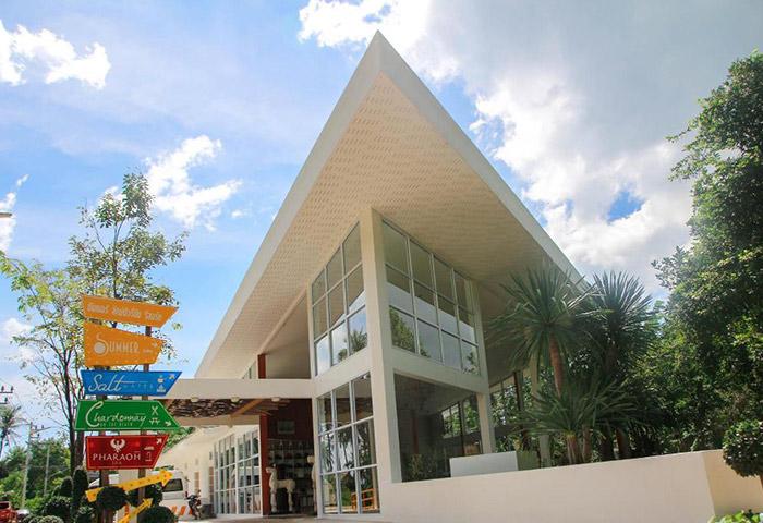 Cheap-Upscale-Gay-Hotel-Koh-Phangan-Summer-Luxury-Beach-Resort