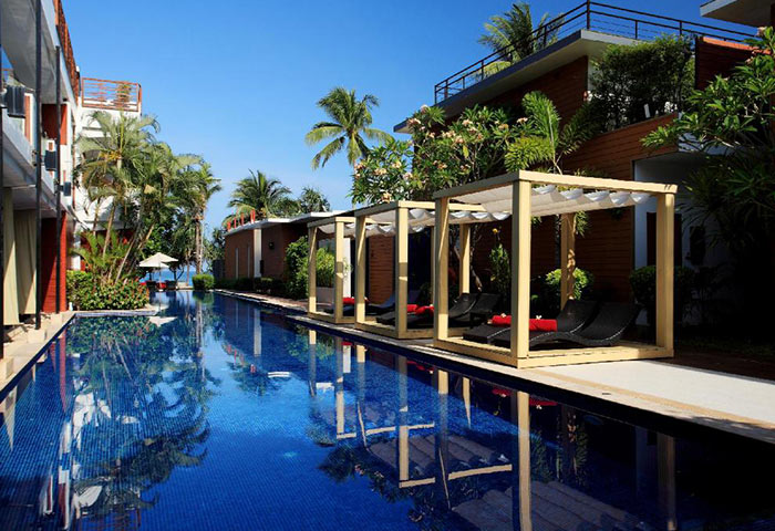 Find-Last-Minutes-Cheap-Luxury-gay-Hotel-Phuket-with-Pool-La-Flora-Resort-Patong