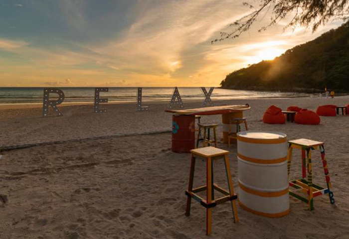 Find-Top-Beachfront-Accommodation-for-gay-Honeymoon-Couples-in-Phuket-Le-Meridien