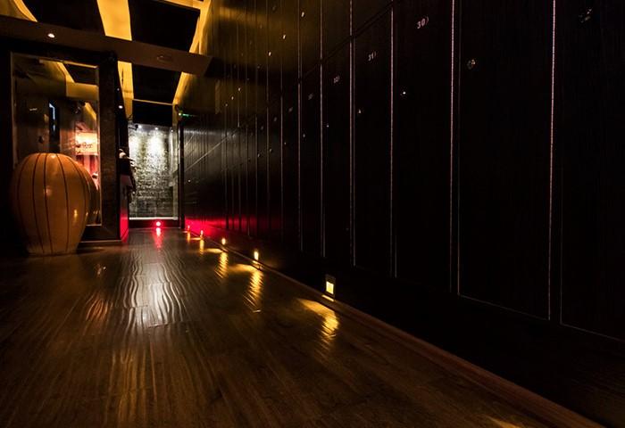 Gateway-Sauna-Hong-Kong-Top-Gay-Sauna-&-Cruise-Club-Near-Gayborhood