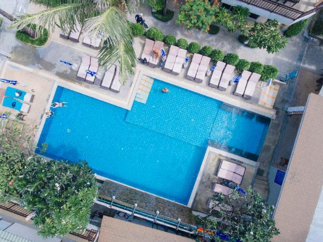 Gay-Friendly-Hotel-Ark-Bar-Beach-Resort-1