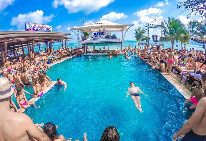 Gay-Friendly-Hotel-Ark-Bar-Beach-Resort-5