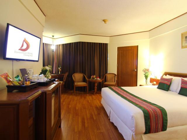 Gay-Friendly-Hotel-Duangtawan-Hotel-5