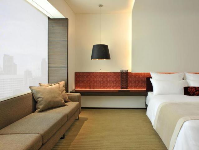 Gay-Friendly-Hotel-Le-Meridien-Bangkok-2