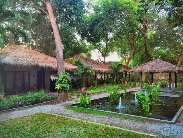 Gay-Friendly-Hotel-Mooban-Talay-Resort-1