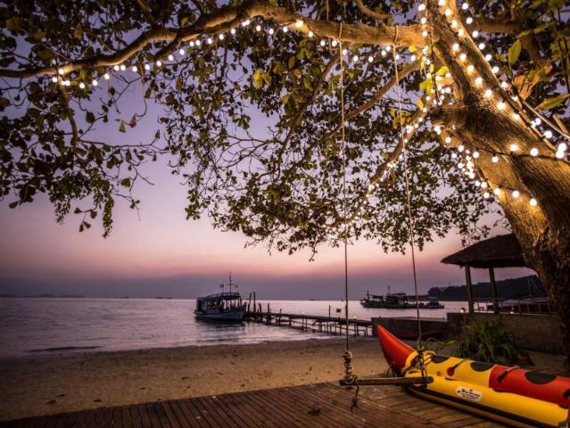 Gay-Friendly-Hotel-Mooban-Talay-Resort-4