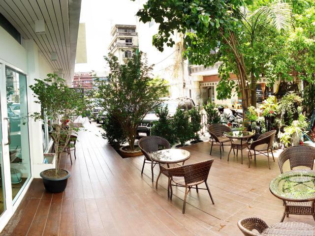 Gay-Friendly-Hotel-Nantra-Silom-Hotel-2