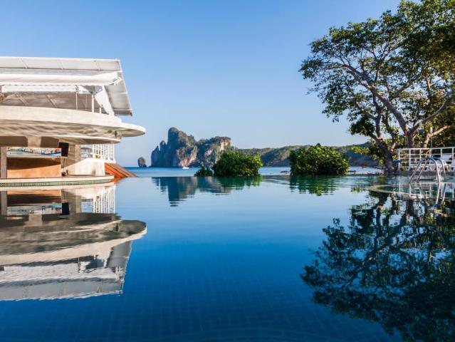 Gay Friendly Hotel PP Charlie Beach Resort Koh Phi Phi