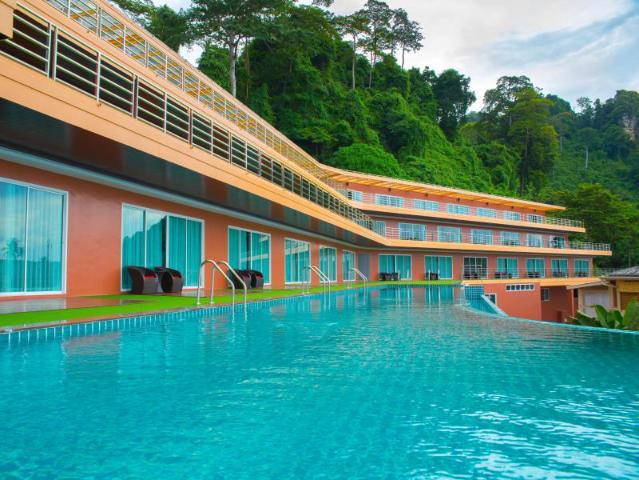 Gay-Friendly-Hotel-Phi-Phi-Cliff-Beach-Resort-3