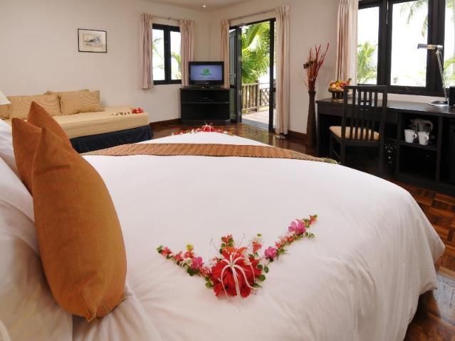 Gay-Friendly-Hotel-Phi-Phi-Holiday-Resort-1
