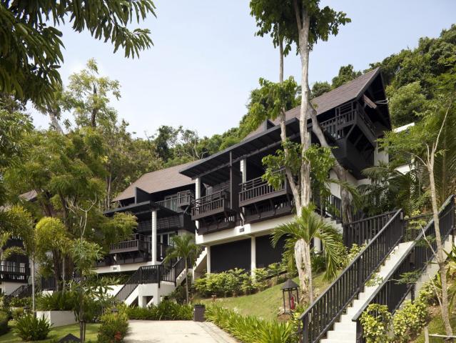 Gay-Friendly-Hotel-Phi-Phi-Holiday-Resort-2